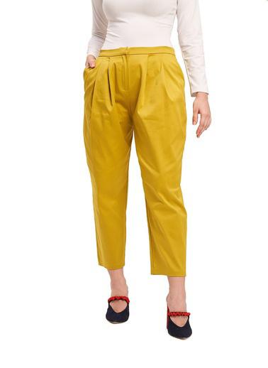 Mizalle Mızalle Saten Tasarım Pileli Pantolon  Sarı